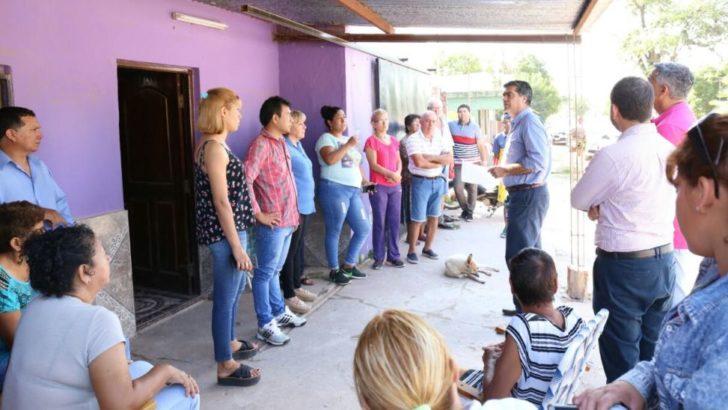 Villa del Oeste: Capitanich y vecinos acuerdan nuevos trabajos de mejoramiento urbano