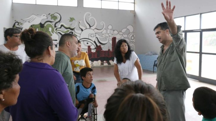 Capitanich visitó a las familias evacuadas y verificó los operativos