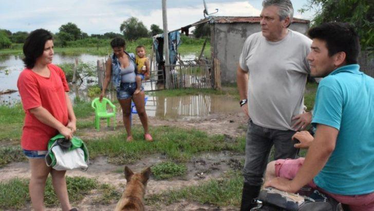 El coordinador de la Unidad Regional Centro recorrió las zonas inundadas de Quitilipi
