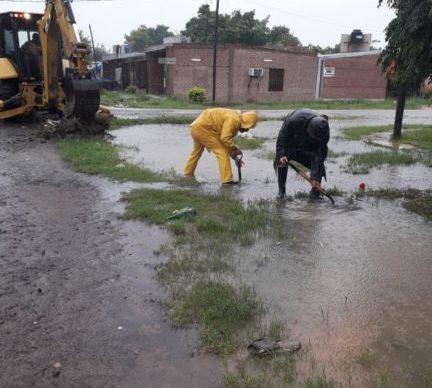 Emergencia hídrica: más de 100 operarios de Equipo Hábitat afectados a trabajos de saneamiento ambiental 1