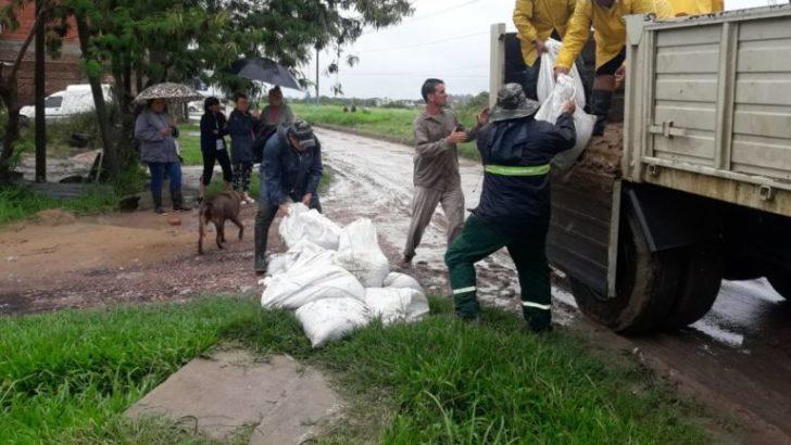 Emergencia hídrica: más de 100 operarios de Equipo Hábitat afectados a trabajos de saneamiento ambiental