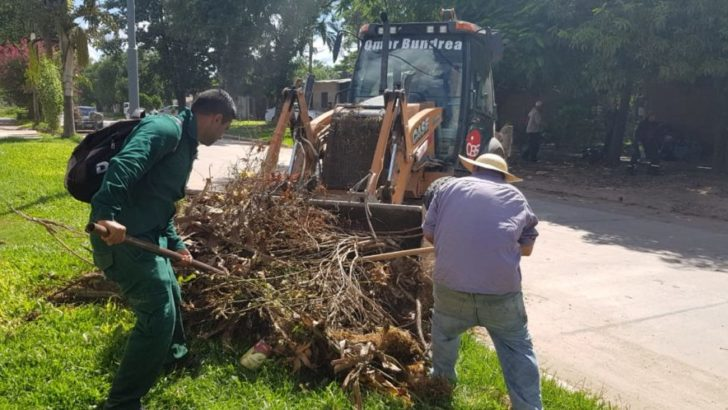 En villa Universidad, Equipo Hábitat realizó trabajos de descacharrado y saneamiento general