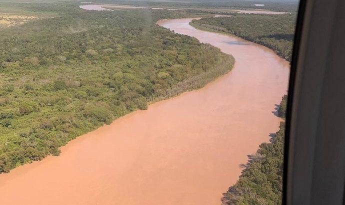 Pampa del Indio: refuerzan la defensa para evitar el avance del río Bermejo