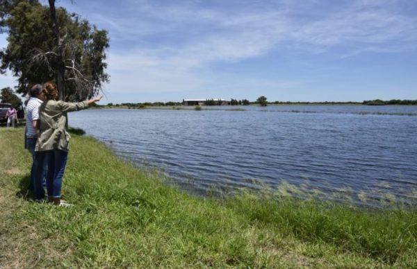 Santa Sylvina: Peppo y Awada escucharon a personas afectadas por las inundaciones 1