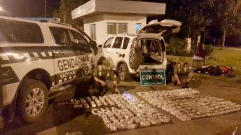 Viajaban con 84 kilos de marihuana ocultos bajo los asientos de un auto