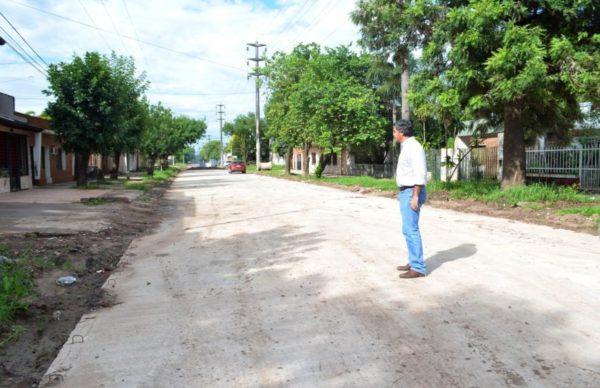 Villa General Mitre: Capitanich se reunió con vecinos para avanzar con más pavimento urbano 1