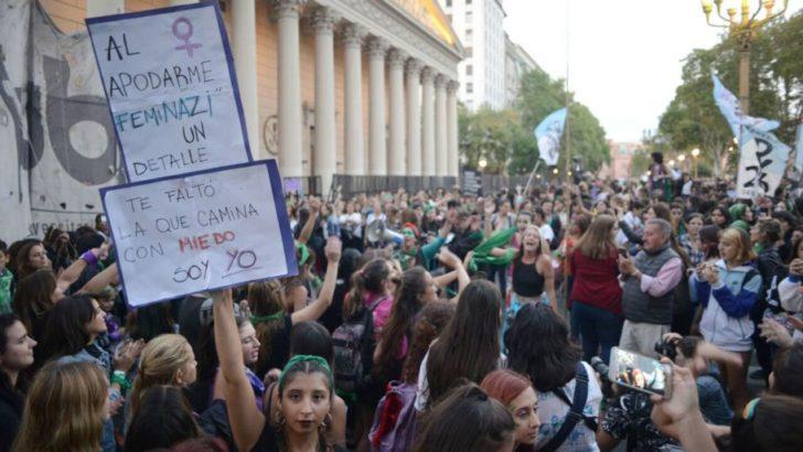 8M: contundente marcha contra la violencia de género y a favor del aborto