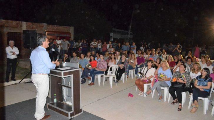 Capitanich inauguró el pavimento en once cuadras de Villa Elisa