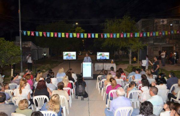 Capitanich inauguró el pavimento en once cuadras de Villa Elisa 1