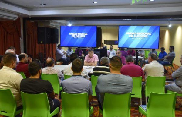 Comercio: Peppo se reunió con representantes de cámaras del interior