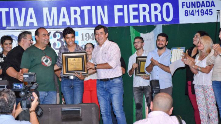 Cosquín: Martínez reconoció a los artistas que representaron a la sede Resistencia