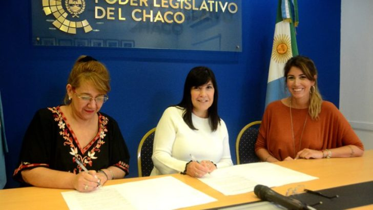 Educación y Legislatura firmaron un convenio para fortalecer el sistema educativo