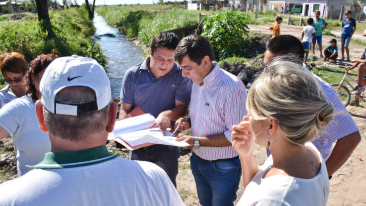 Martínez recorrió barrios de la zona norte donde iniciarán las obras del plan integral urbano