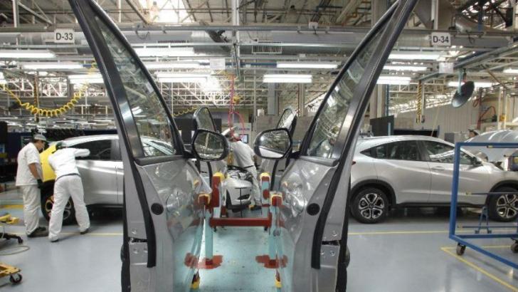 No remonta el barrilete macrista: la economía cayó un 5,7% en enero