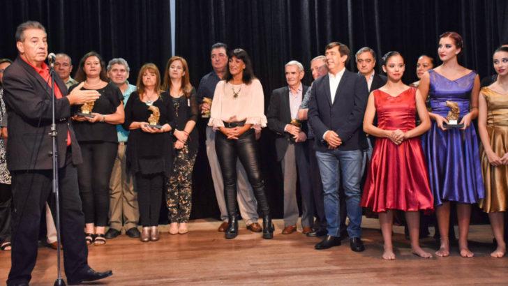 Premio Dorado: se reconoció a resistencianos destacados por su labor con la comunidad