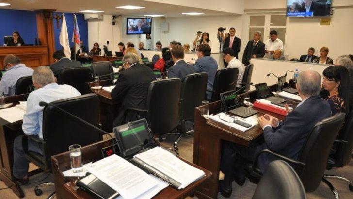 Emergencia educativa: Diputados pidió a Peppo que revea el decreto