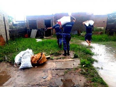 Emergencia hídrica: la Policía trabaja en forma conjunta con otros organismos