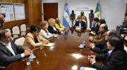 Gobierno y escribanos firmaron un convenio para la regularización en asentamientos