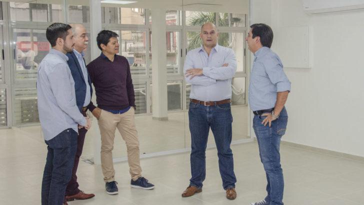 Martínez visitó la remodelación de la sede de la Cámara de Comercio