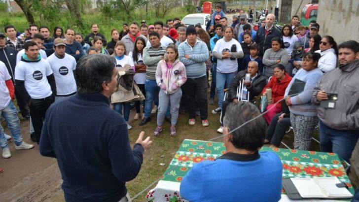 Barrios Palermo I y La Ilusión: Capitanich recorrió y coordinó agenda de trabajo con los vecinos