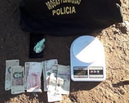 Castelli: adolescente fue demorado por vender marihuana en una espacio público