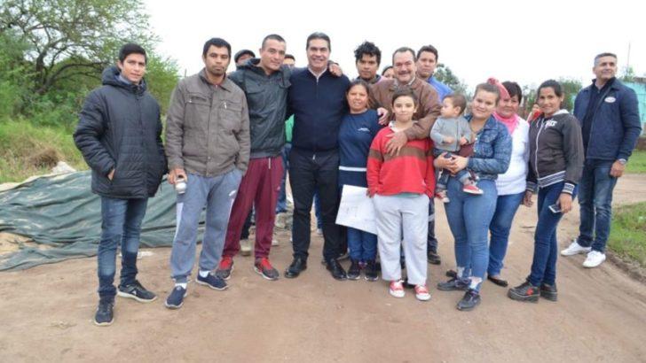 Capitanich se reunió con vecinos de distintos barrios para coordinar acciones