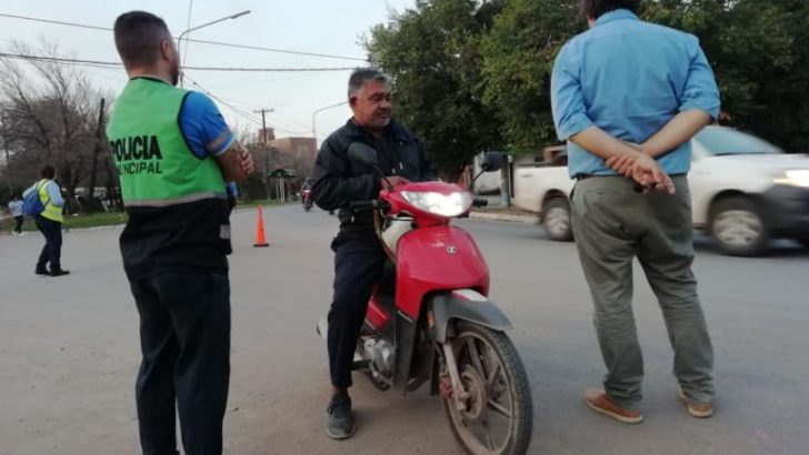 No permiten el ingreso de motociclistas sin casco al centro de Resistencia