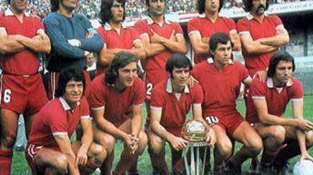 """La peña """"Independiente 2000"""" celebra 25 años con los campeones del mundo"""
