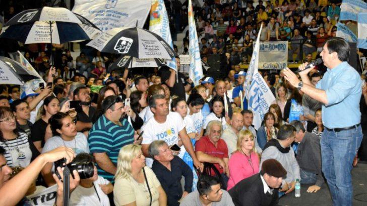 """Gustavo Martínez: """"no hay cartel ni chapa que pese más que la decisión del pueblo"""""""