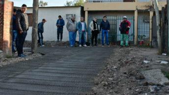 Gustavo Martínez y autoridades del Ipduv recorrieron en el barrio San Valentín