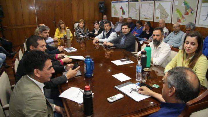 Peppo reunió a su Gabinete para ordenar la transición