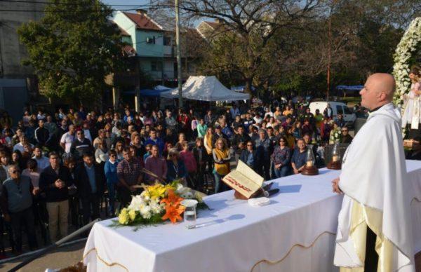 San Cayetano: Capitanich acompañó la peregrinación y la misa por paz, pan y trabajo