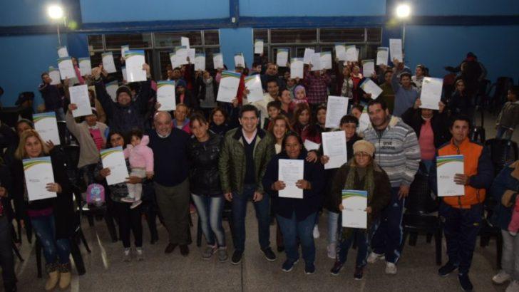 Vecinos de Villa Don Andrés recibieron sus actas de pre adjudicación de lote