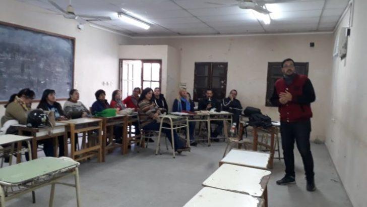 Personal del Centro Mujer participó del taller de capacitación sobre adicciones