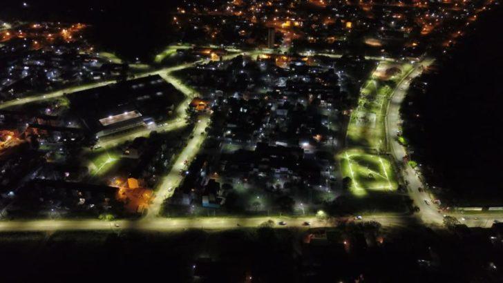 Capitanich llevó luces de led al barrio Mujeres Argentinas