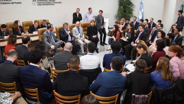 """Peppo, a los profesionales de la Fundación Universitaria Río de la Plata: """"son los jóvenes que requiere nuestro país"""""""