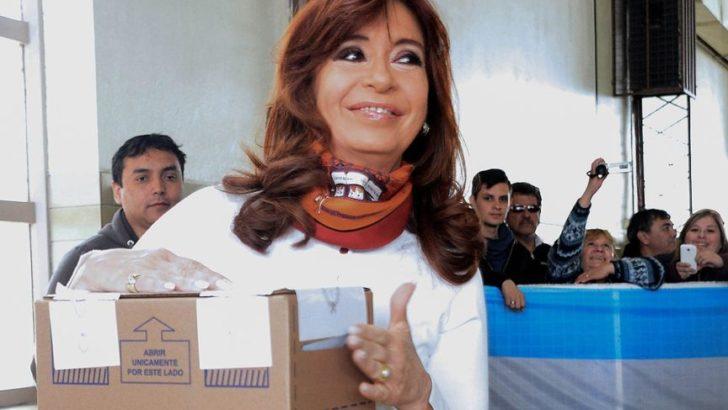 Al votar, Cristina recordó a Néstor, a 9 años de su fallecimiento