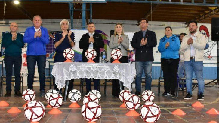 El gobernador participó de la clínica deportiva dictada por el preparador físico Gerardo Salorio