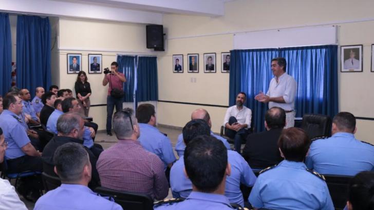 Capitanich se reunió con el ministro de Seguridad y representantes de la Policía
