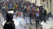 Ecuador: miles de indígenas en un Quito militarizado, protestan contra las medidas del FMI