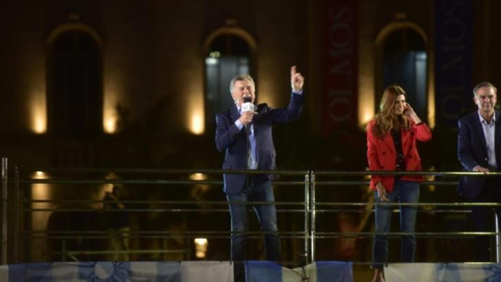 Macri: «demasiadas veces nos aguantamos el dedito»