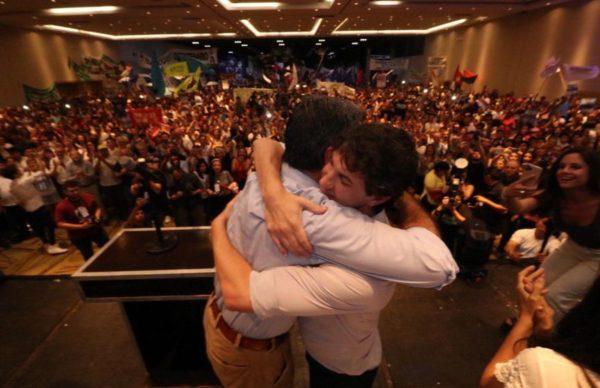En el cierre de campaña, Coqui no se guardó nada contra Gustavo y Zdero 2