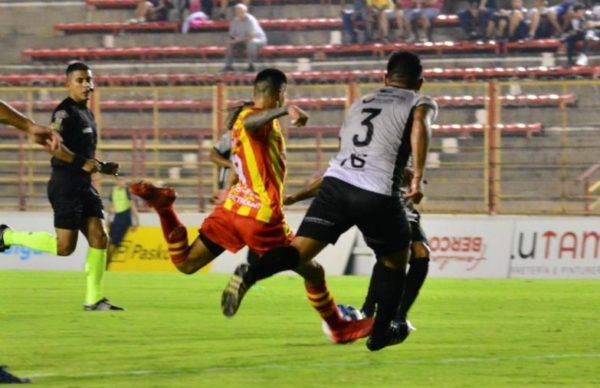 """Federal """"A"""": Sarmiento no pudo cerrar la semana como puntero 1"""