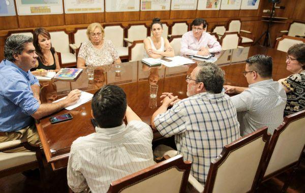 Capitanich y cámaras empresariales analizaron proyectos para la generación de empleos