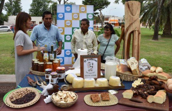 Entre sabores, artesanías y música presentaron Verano para Todxs en Presidencia La Plaza 1