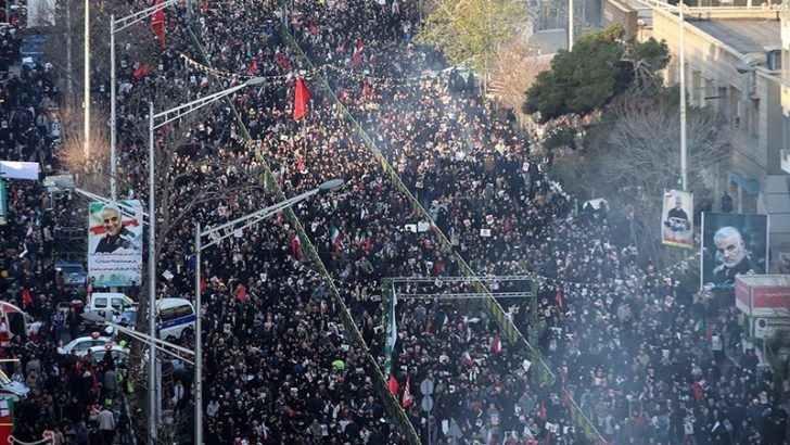 """Medio oriente: miles despiden a Soleimani y llaman a impartir «una dura venganza"""""""