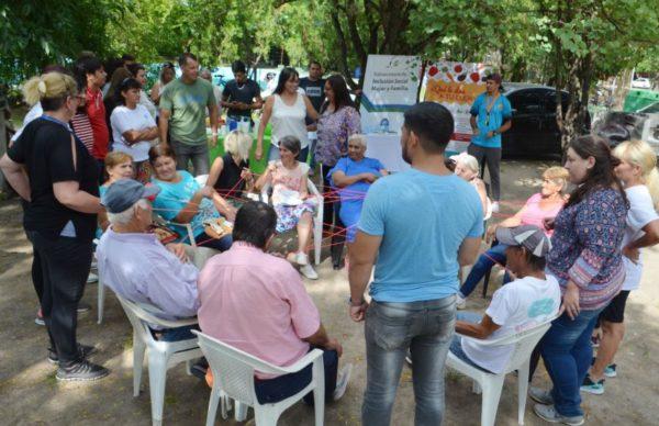 Autoridades municipales acompañaron a adultos mayores en la Colonia de Vacaciones 1