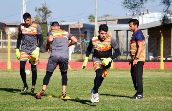 """Clínica, capacitación y """"batalla para arqueros de fútbol"""" en Sarmiento 1"""