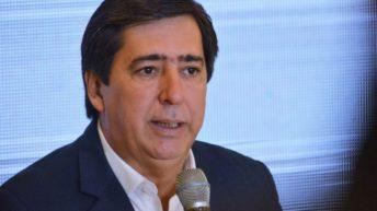 Gustavo Martínez pidió a los vecinos que se queden en sus casas