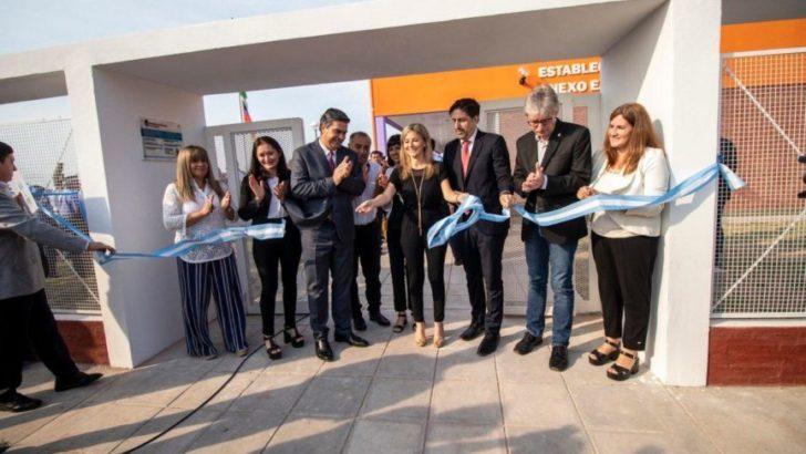 Capitanich y el ministro de Educación de la Nación inauguraron infraestructura escolar en una comunidad Qom